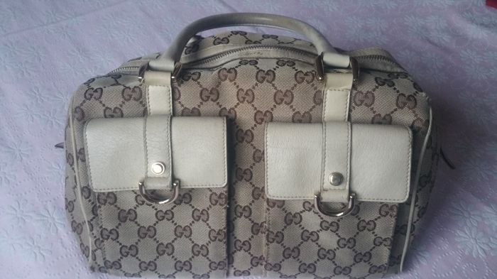"Gucci - Beige/Ebony Signature ""GG"" Canvas Abbey Handtas"