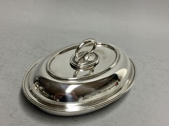 A Silver plated double serving tray with removable knob, Elkington, Sheffield, England, ca. 1935