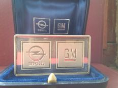 The emblem of Opel and GM
