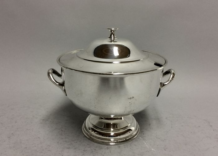 Round silver plated tureen, with two handles and cover, England, ca. 1900