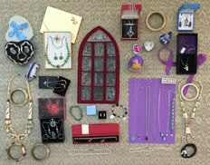 Collection of gifts of jewelry from silver with precious stones and mixed products for the liquidation of personal property.