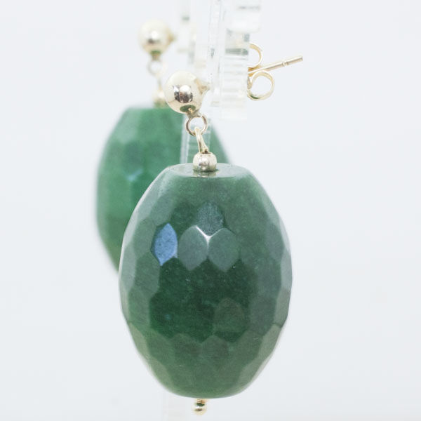 18 kt gold faceted emerald earrings