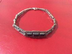 Antique bracelet in 925 silver with three onyxes