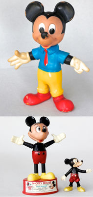 Disney, Walt - Rubber puppet + Pushbutton + Plastic figurine - Mickey Mouse (ca. 1960's)