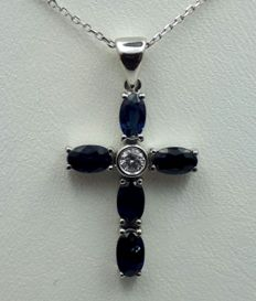 18 Ct  White Gold  Chain & Cross with Natural sapphire and Diamond, Total 3.85g,  Chain 45 cm, Cros 2.7x1.5 cm