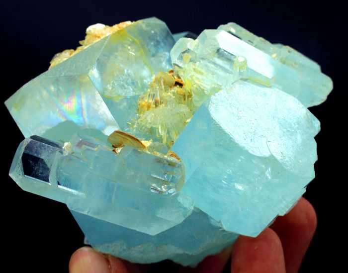 High Grade Terminated Gemmy & Natural Sky Blue Aquamarine Crystal Cluster - 105 x 73 x 71 mm - 609gm
