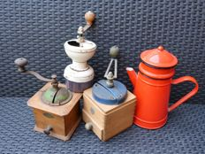 3 Peugeot coffee mills (1920 - 1940s and 1960s) and an enamelled coffee pot