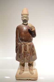 Glazed figure of a Ming  servant- Size H: 290 mm