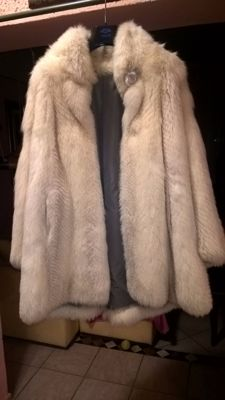 White fox fur coat, made in Italy, very good condition