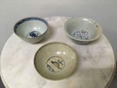 3 Porcelain B/W Bowls - China - Ming dynasty 16th Century.