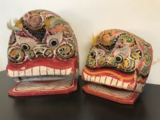 Unique set of authentic Chinese dragon dance masks - China - 2nd half of the 20th century