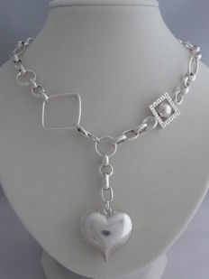 Ladies 925 Silver necklace.  Weight:  39.93 g.  Length necklace: 41.5 cm.