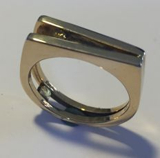 Gold handmade ring with a yellow brilliant of approx. 0.05 ct ´Unique´