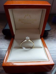 18 kt white gold women's ring set with brilliant cut natural diamond - 57 facets