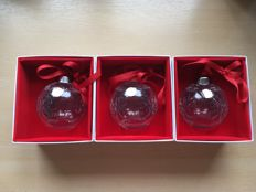 3 PCs millennium Christmas balls Madison Avenue Making Spirits Bright