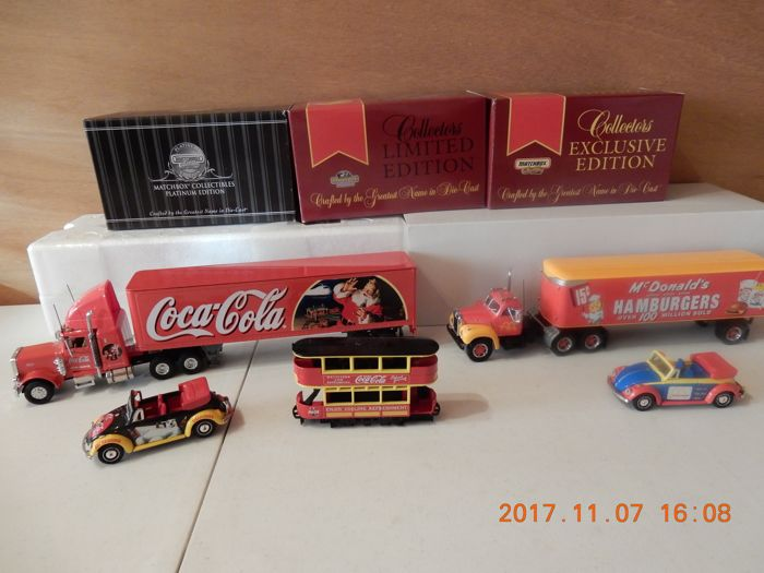 Dinky Matchbox - Scale 1/50-1/43 - Lot with 5 models: McDonald's truck DYM34577 - VW Beetle DYM92013  - KS 199A - Coca Cola Santa's Truck - YYM37797 Coca Cola tram - 38046 VW Coca Cola