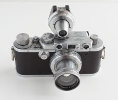Leica IIIa 1938 (275228): Summar 1:2 ƒ = 5 cm lens, Leica multi viewfinder (3.5 cm-13.5 cm), Leica CD containing 170 leaflets, brochures and specific Leica documentation