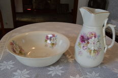 Circa 1850 - Old Basin and Pitcher Set UK (see the bottom stamp)