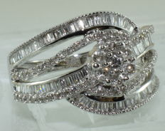 18 kt white gold ring set with 172 diamonds for a total of around 3.70 ct ***NO RESERVE PRICE***