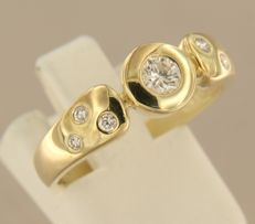 14 kt yellow gold ring, set with 7 brilliant cut diamonds - ring size 18.5 (58).