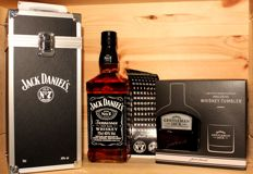 "2 bottles - Jack Daniel's Old No 7, ""FLIGHT CASE"" Edition & Jack Daniel's Gentleman Jack with Tumbler, 200(!)ml (2017 Summer Limited Edition)"