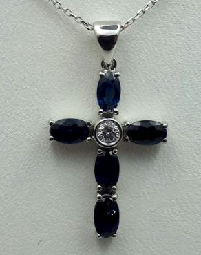 18Ct White Gold Necklace With Sapphire & Diamond, Chain 45 Cm, Cross 2.7x1.7 Cm, Total 3.540g