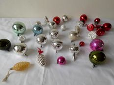 30 Antique Christmas baubles, from 1960s and onwards