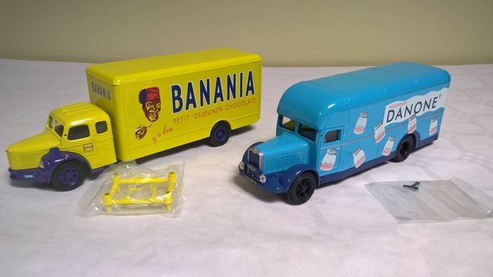 Corgi Heritage Collection - Scale 1/50 - Lot of 2 vans of french food from the 1950s: Berliet GLR8 (Banania) and Bernard Type 110 (Danone) - First Editions of 1997 limited to 4000 copies