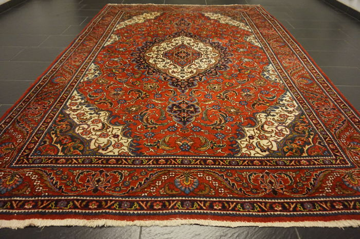 Royal semi-antique old Persian carpet Tabriz with animal pattern, made in Iran province: Tabriz 230 x 320 cm