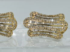 18 kt yellow gold earrings set with 404 diamonds totalling around 6 ct ***NO RESERVE PRICE***