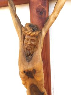 'Crucifix' - handmade sculpture in olive wood - Italy
