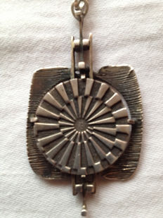 Rarity: real silver necklace pendant, beatiful small olympic medallion Munich 1972 835 silver