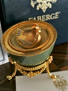 "Exceptional ""Fabergé"" golden egg with chicken in 24 ct gold-plated + egg necklace"
