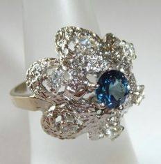 Eye Clean 0.59 ct Sapphire & 0.43 ct Diamonds with 585 / 14 kt **White Gold  Ring__RS .55. **No Reserve Price**