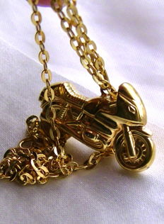 Pendant large motorbike 333 gold + 333 gold chain - no reserve