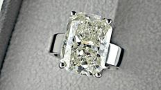 8.01 ct VS2 radiant diamond ring made of 18 kt white gold - size 7