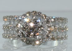 18 kt white gold alliance ring set with 122 diamonds for a total of around 3.20 ct ***NO RESERVE PRICE***