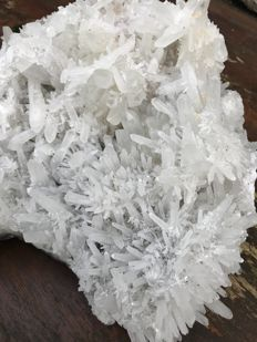 Huge quartz crystal cluster - 22 x 5 x 19 x 13.5 cm - 4267 g