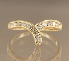 18 kt yellow gold ring with 14 brilliant cut diamonds, 0.47 ct, ring size 17.25 (54)