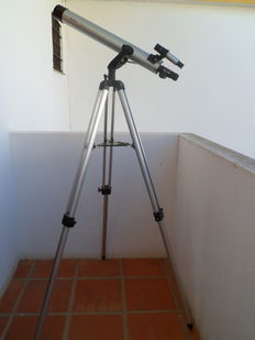 Telescope in aluminium with tripod in aluminium