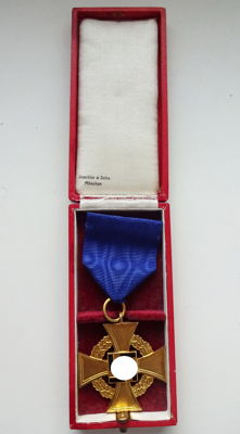 Faithful Service Honour Badge 1st Level for 40 years with presentation case