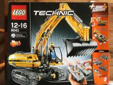 Technik - 8043 - Motorized Excavator