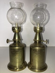 Abeille France - 2 pieces of brass wall oil lamps