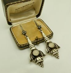 "Long antique ""moon glow"" mother of pearl drop earrings - Sterling silver -  NO reserve"