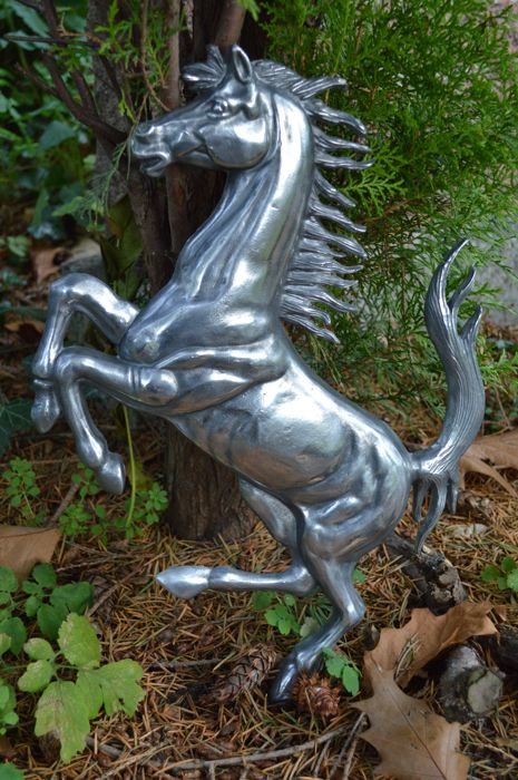 Ferrari horse made of aluminium - 40 x 27 cm - 1980s, promotion for collectors and workshop