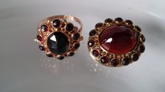14 karat yellow gold ring and brooch set with garnets
