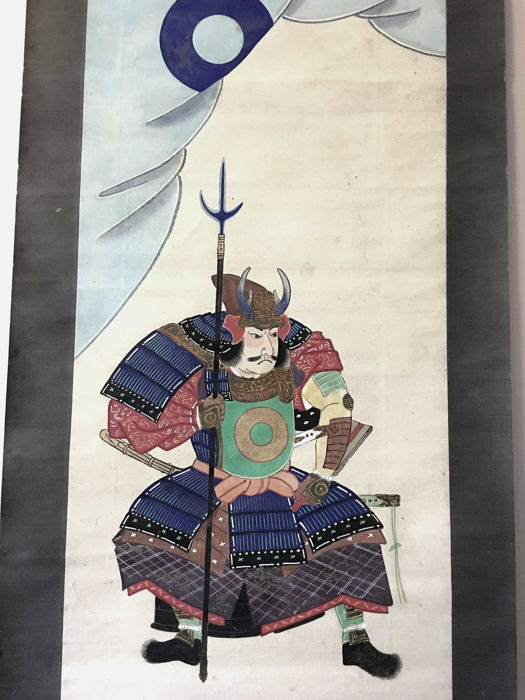 Impressive handpainted scroll painting featuring a Samurai going to battle - Japan - ca. 1920