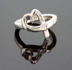 Tiffany & Co (Paloma Picasso) - Sterling Silver Ladies Heart Ring With Diamond (0.05 CT) Spain C.1995 - Size UK: J US: 5 1/4 EU: 49 1/2