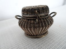 Silver scent box in the shape of a wicker basket, the Netherlands, 19th century