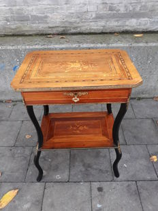 Napoleon III small work table with beautiful fruit wooden intarsia - France - 2nd half of the 19th century